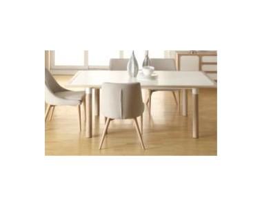 Stół Lowe